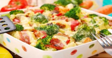 zapeceno-vrhnje-s-povrcem-i-grizom